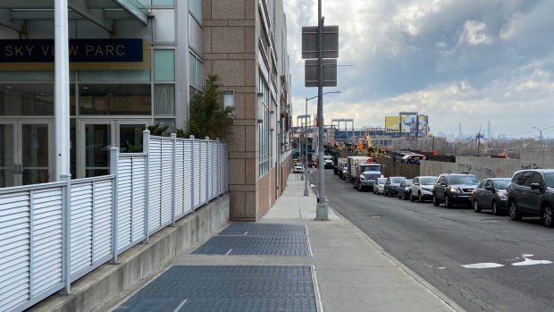 Pro-Car Queens Board Wants To Squeeze Pedestrians to Create More Room For Drivers