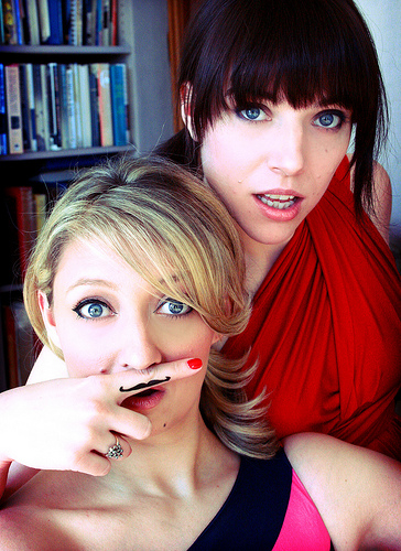 Glennis McMurray & Eliza Skinner are geniuses at making up musicals on the spot as improv duo I Eat Pandas