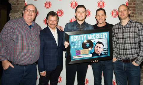 Scotty McCreery Gold NYC