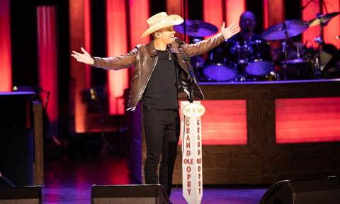Dustin Lynch Opry Induction