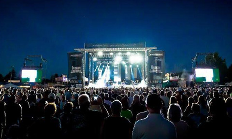 78f6eb7560bb0 Country Music Festivals Worth Traveling to This Summer
