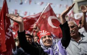 TOPSHOTS-TURKEY-VOTE-OPPOSITION-CHP