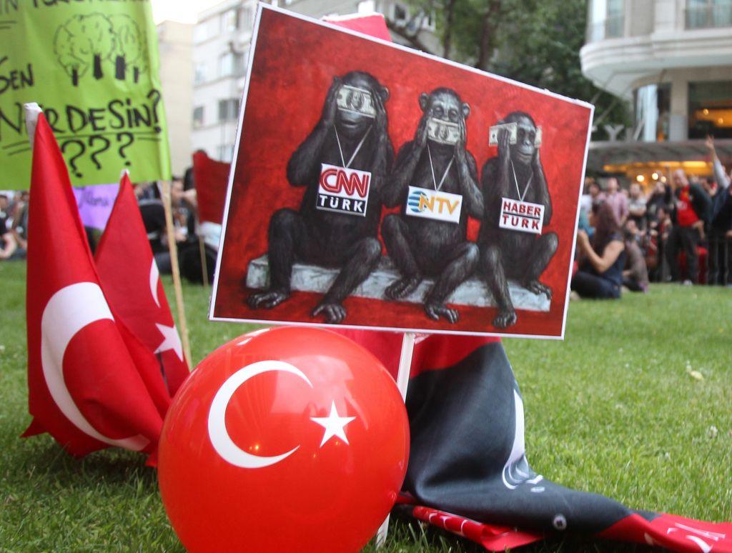 Turkiye'de Medyanın Röntgeni Çekildi