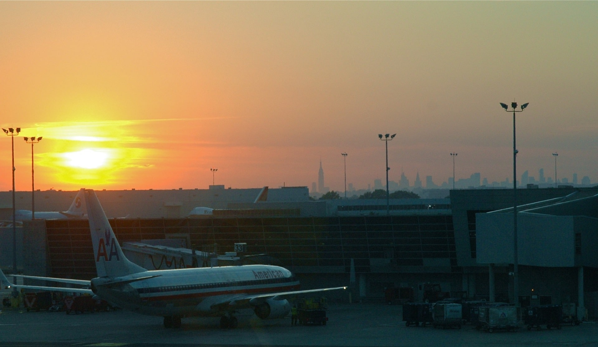Van Charter Services NYC Major Airports LGA, JFK, EWR