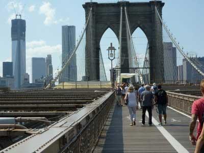 People Walking, brooklyn-bridge nyc