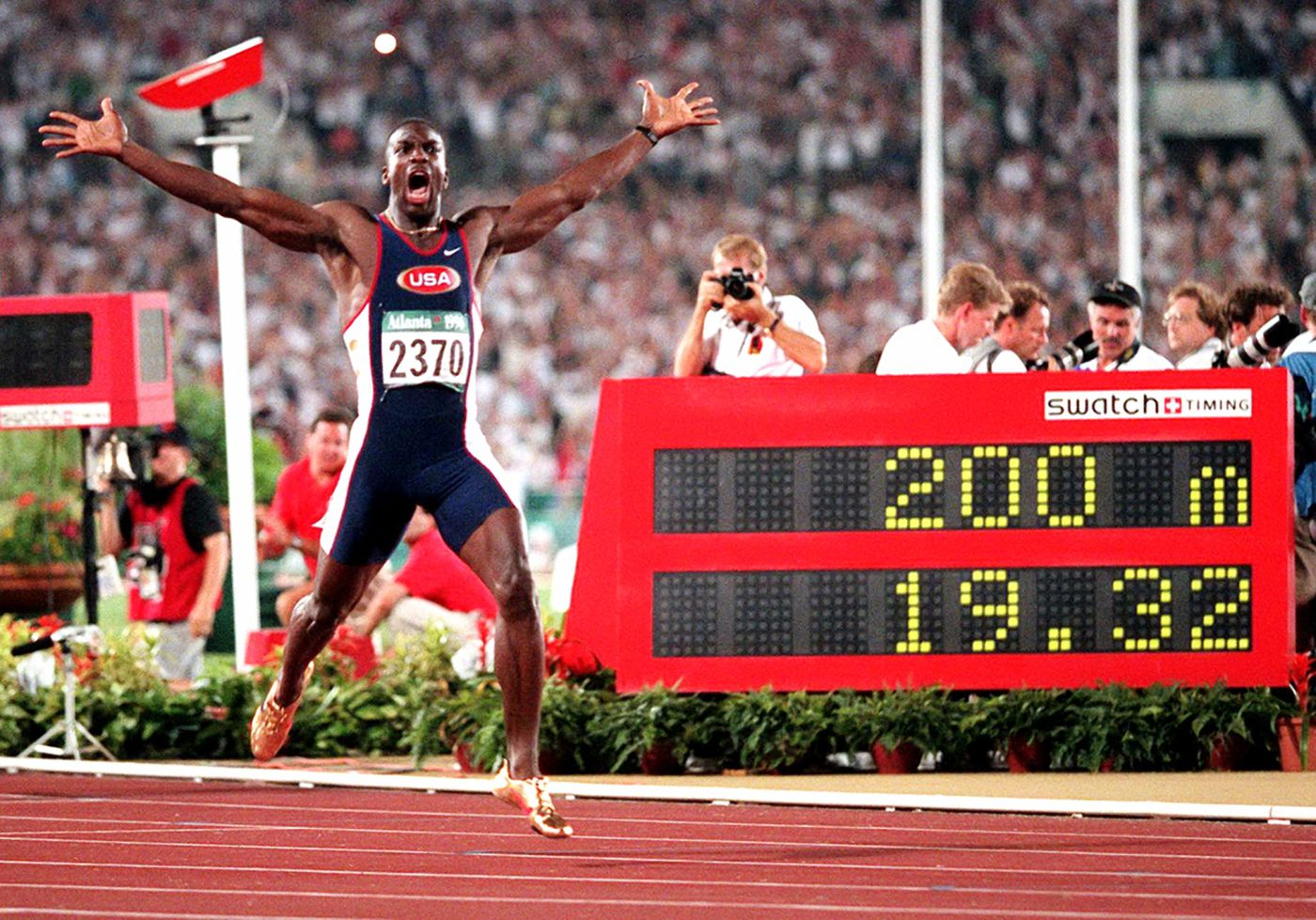 Michael Johnson Shatters World Record In 200M At 1996