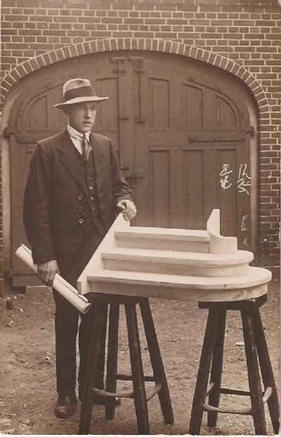 1920 Johannes Jensen med sin svendeprøve