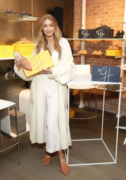 NEW YORK, NY - NOVEMBER 15:  Model Gigi Hadid attends the Stuart Weitzman Pop-Up Event on November 15, 2017 in New York City.  (Photo by Monica Schipper/Getty Images for Stuart Weitzman)