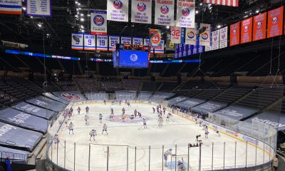 New York Islanders take part in warmups