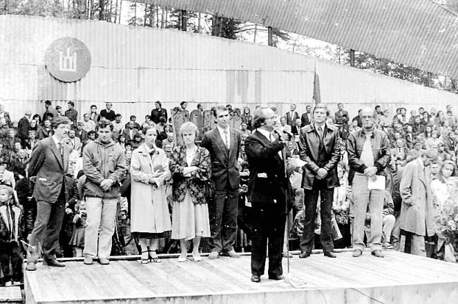 Mitingas 1988 Dainuvos slenyje