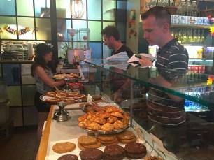 A Schmackary's serve um dos melhores cookies da cidade e fica pertinho da Times Square.