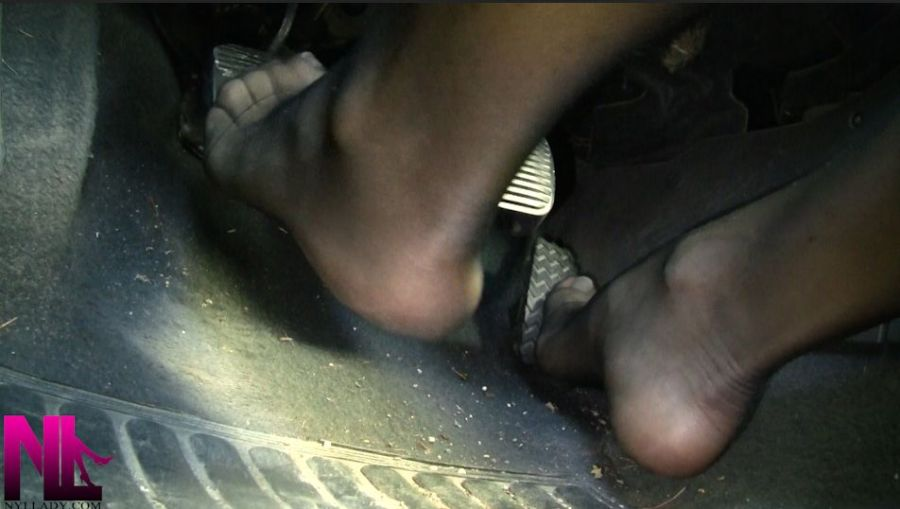 driving-in-black-toeless-pantyhose-and-french-pedicure1