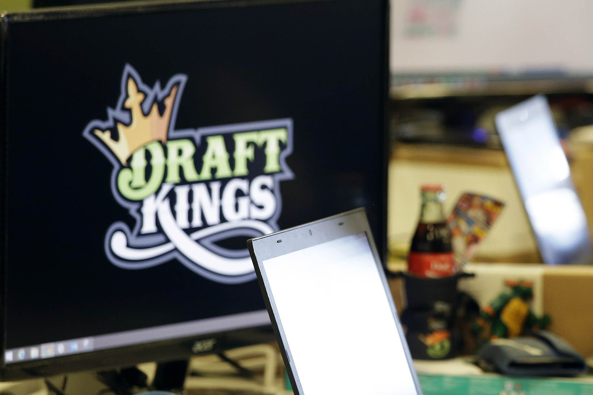 Fantasy sports insider betting scandal the game cast on bet