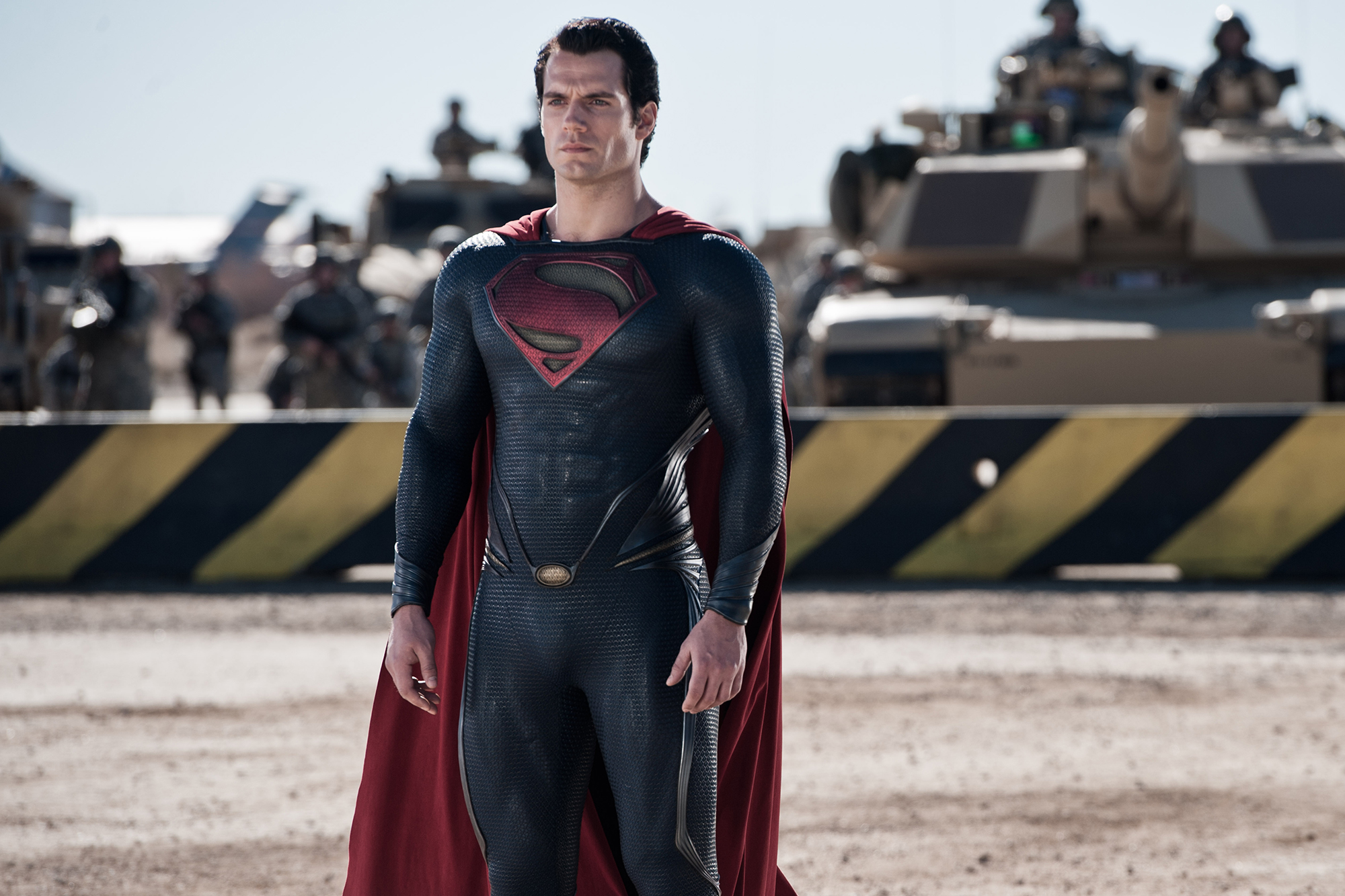 Henry Cavil To Appear In The Next 3 DC'S Superman Movies.