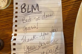 Tennessee Sheriff's Deputy Shares Note Left by Two Black Women After Their Random Act of Kindness