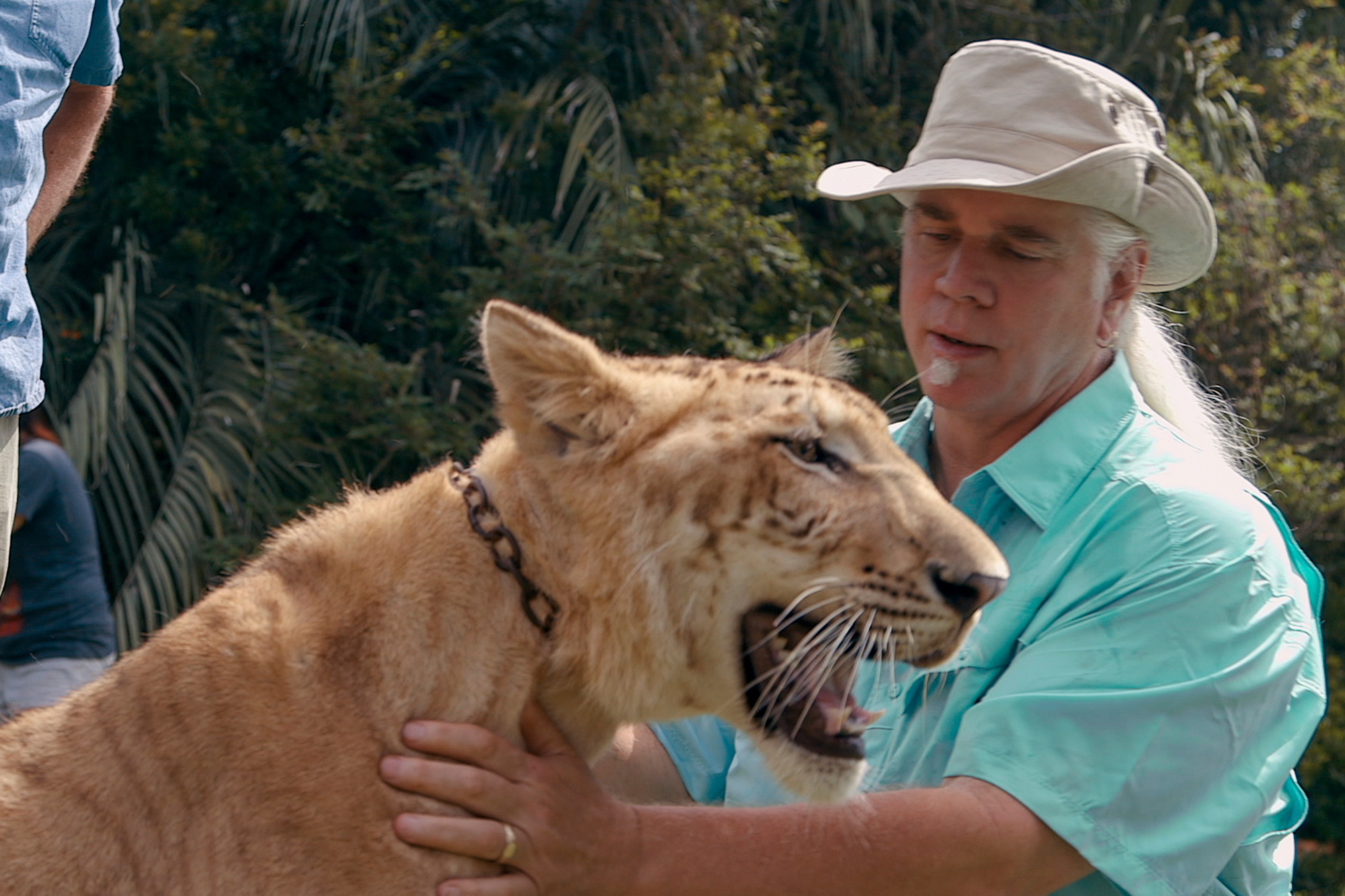'Tiger King' star Doc Antle charged with trafficking lion cubs