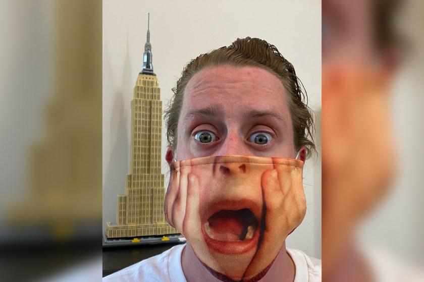 macauley culkin face mask home alone 01