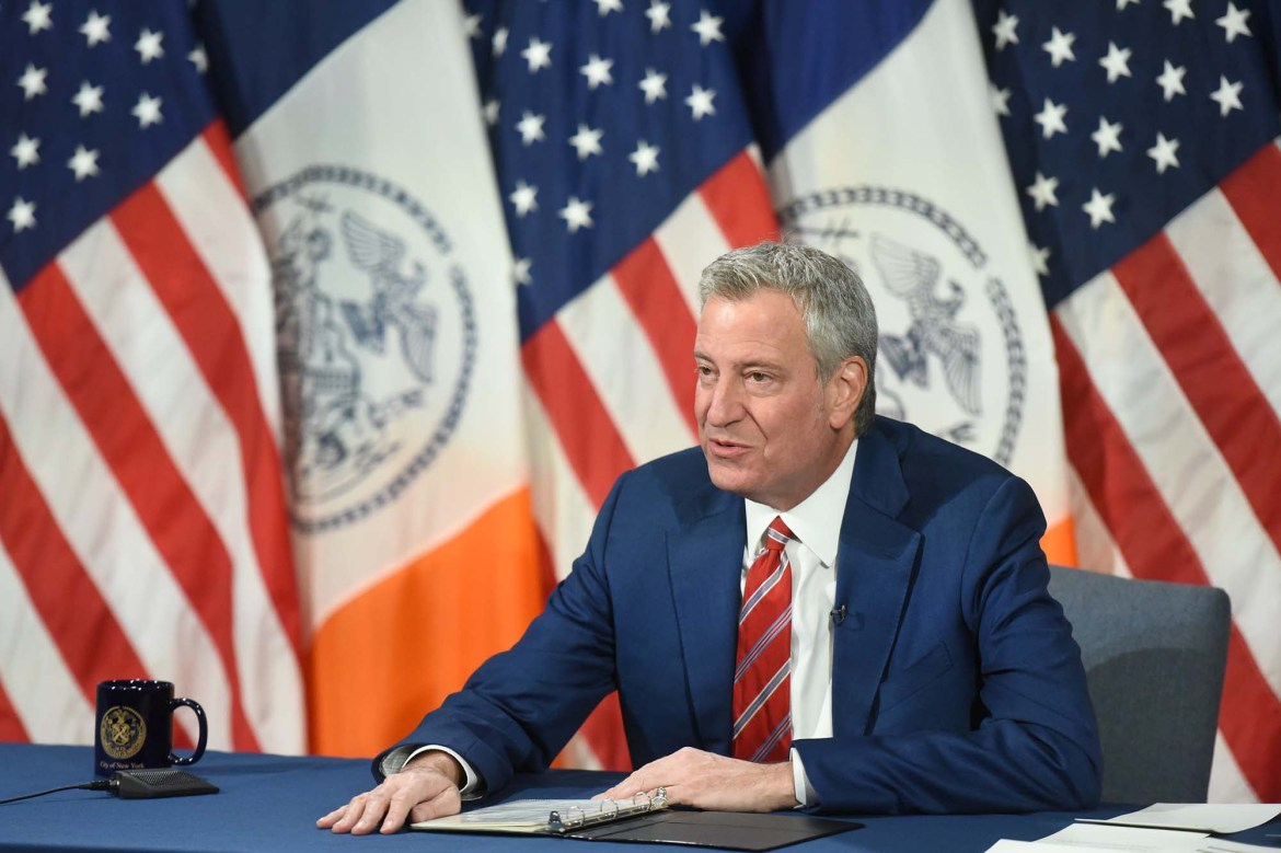 De Blasio urges New Yorkers to embrace COVID-19 vaccine at Bronx church service 1