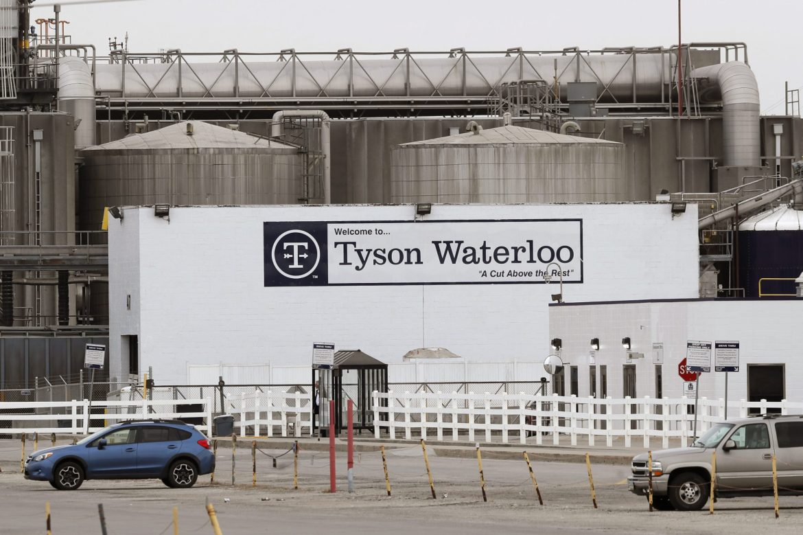 Tyson Foods manager had betting pool for how many workers would get COVID-19: suit 1