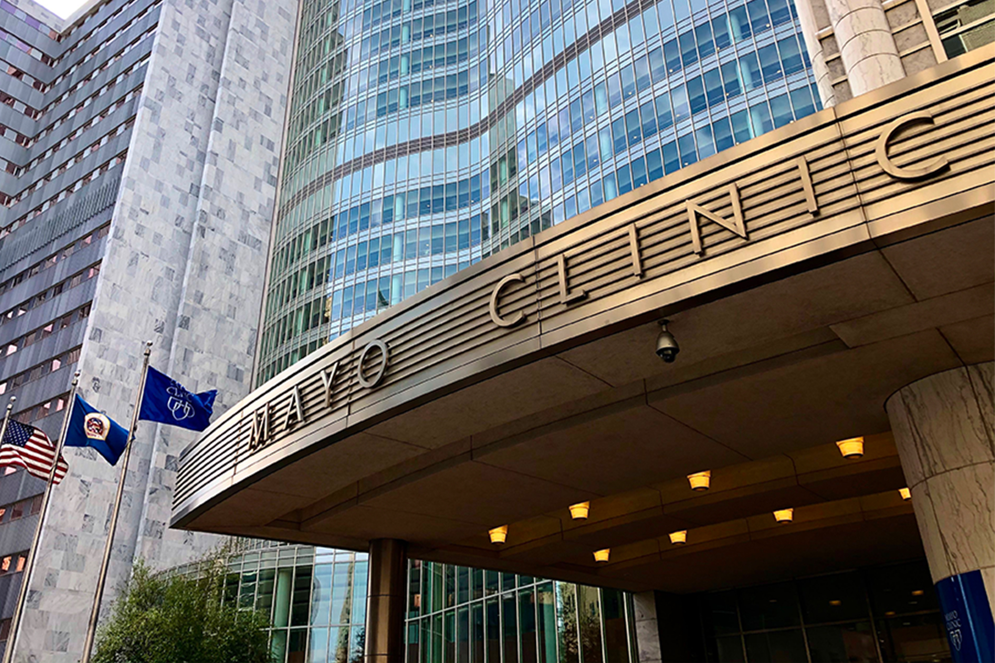 900 Mayo Clinic staffers diagnosed with COVID-19 in last two weeks