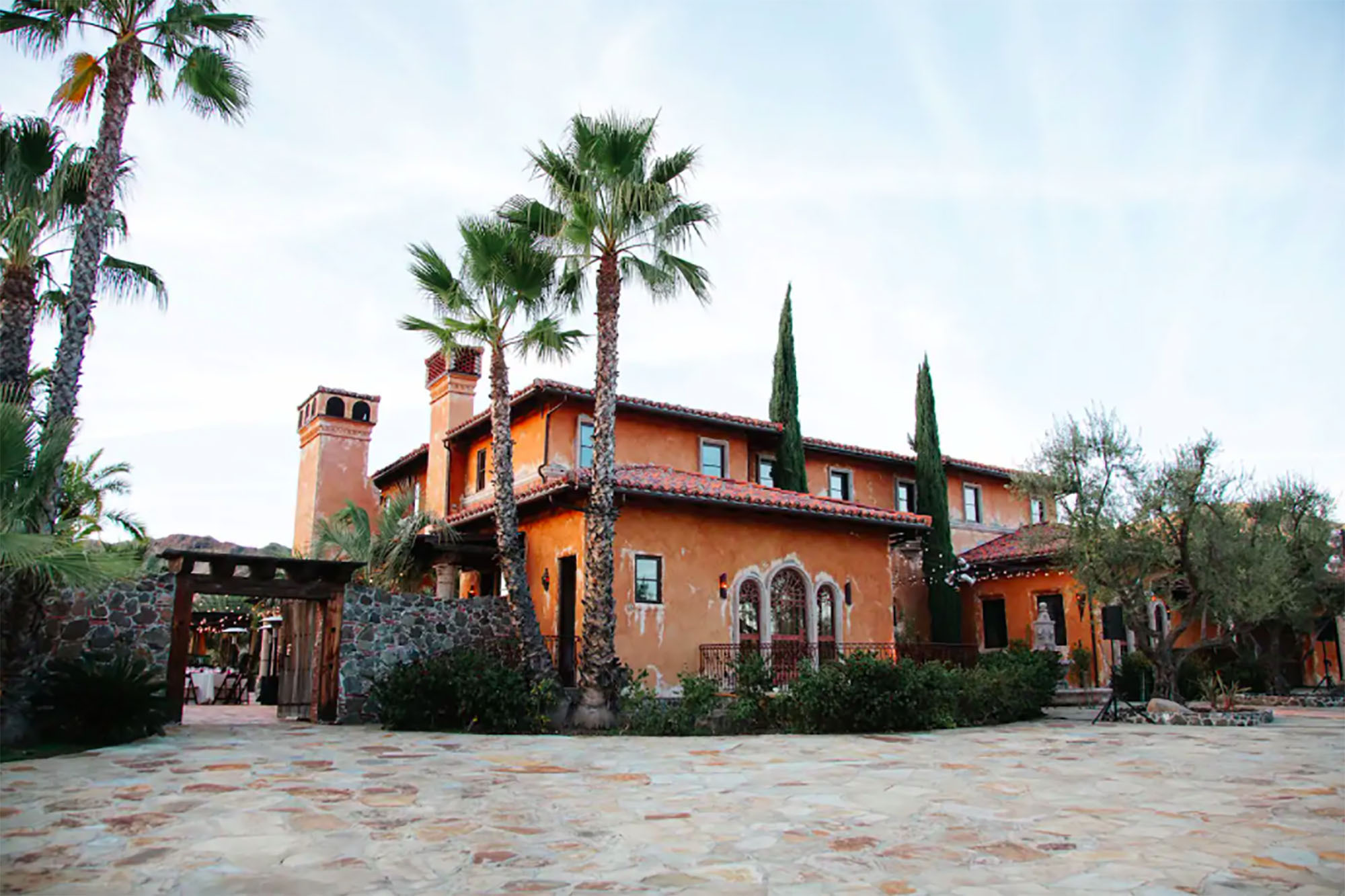 You can rent the 'Bachelor' mansion on Airbnb for ,000/night