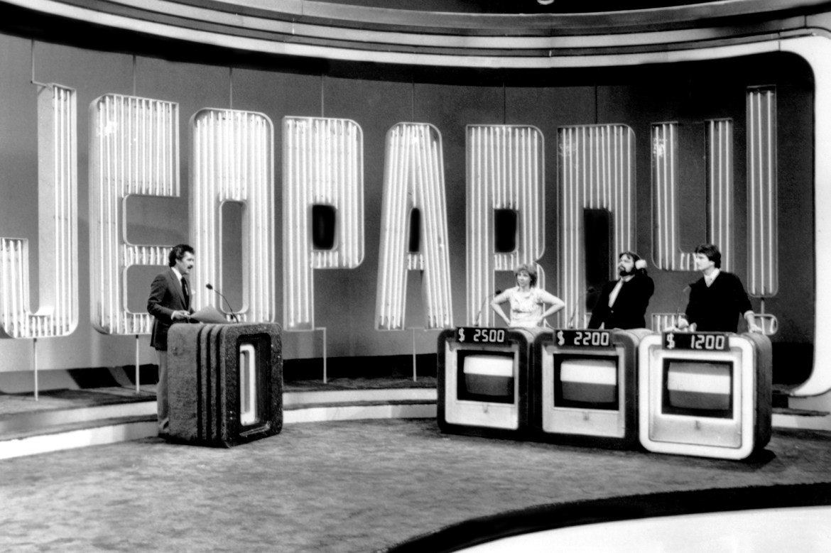 JEOPARDY!, host Alex Trebek with contestants, (ca. 1985), 1984-, © Columbia TriStar Pictures / Court