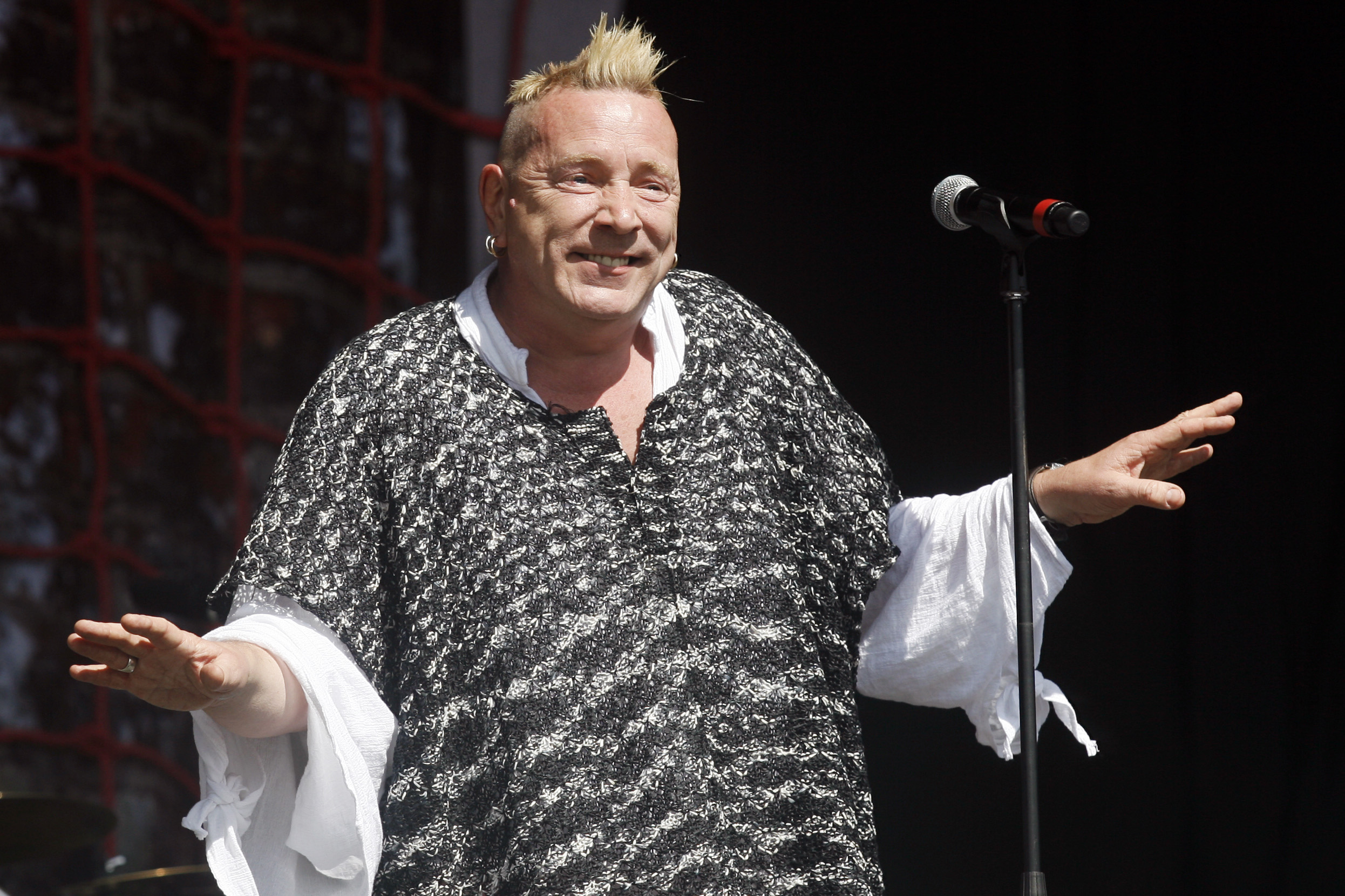 Johnny Rotten gets flea bites on groin after keeping squirrels in home