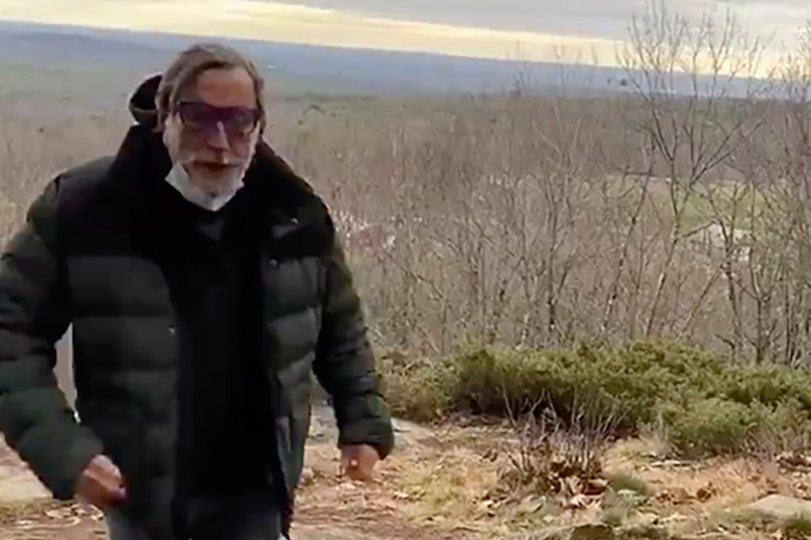 Massachusetts man spits on hikers for not wearing masks, says he has COVID-19 1