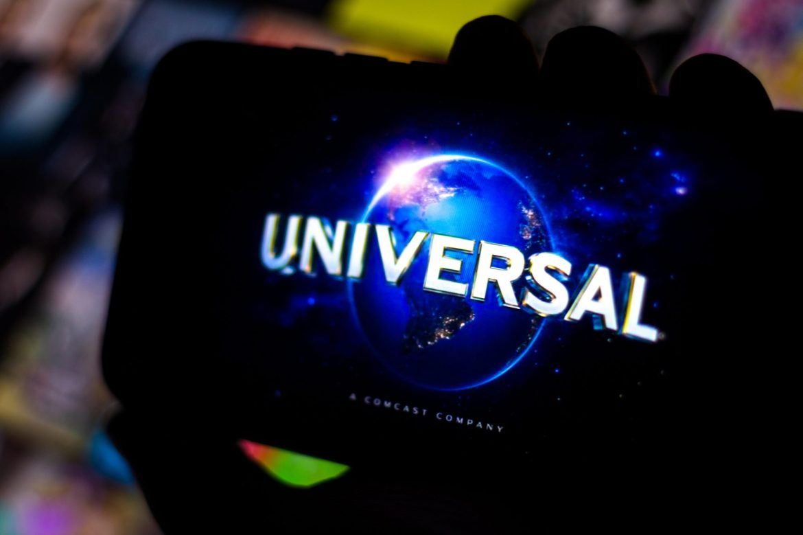 Universal strikes another 'exclusivity' deal with major theater chain 1