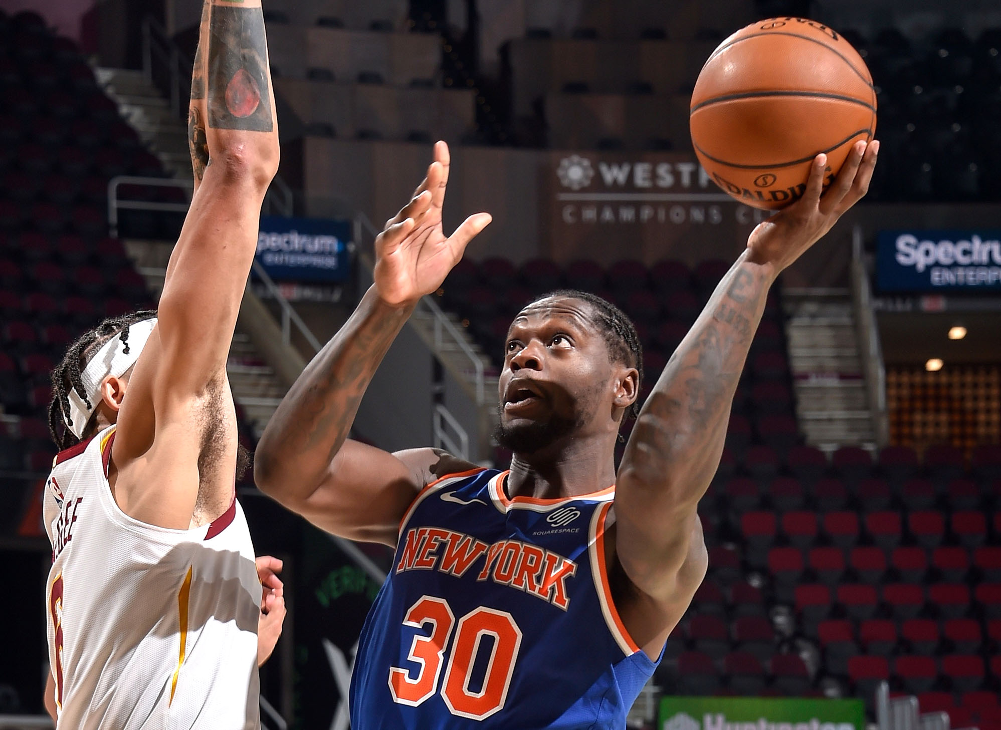 Julius Randle's triple-double propels Knicks to second consecutive win