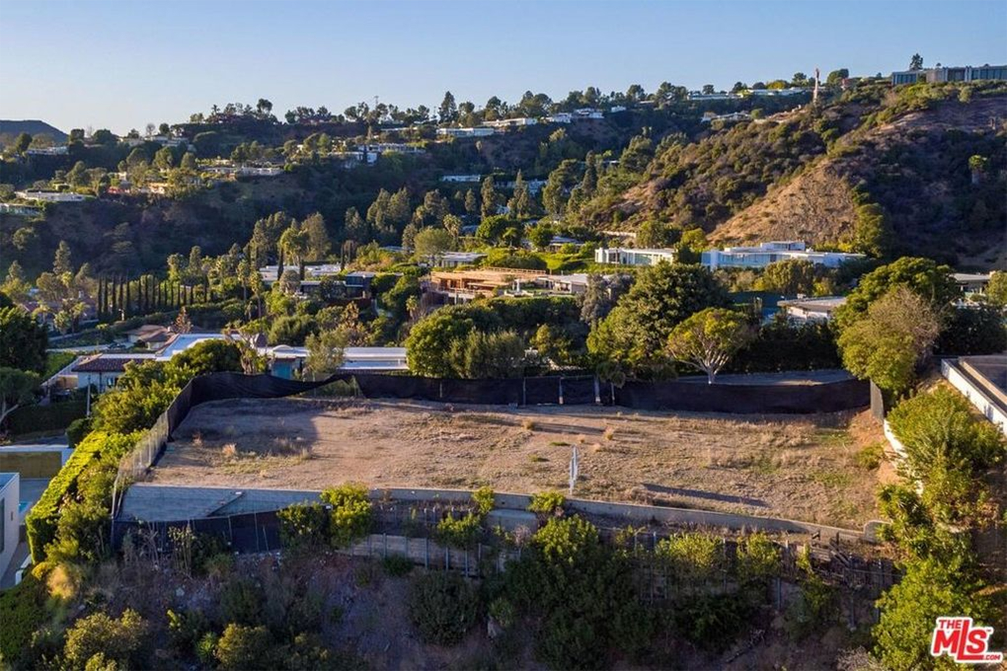 David Geffen hits pay dirt with M empty lot in Beverly Hills