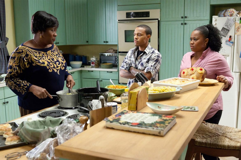 MADEA'S BIG HAPPY FAMILY, l-r: Loretta Devine, Bow Wow (aka Shad 'Bow Wow' Moss), Natalie Desselle R