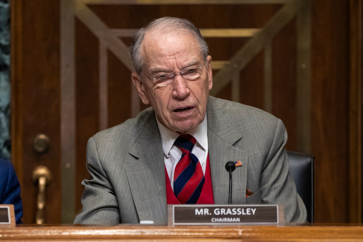 Sen. Grassley confuses DC over whether he will handle Electoral certification 1