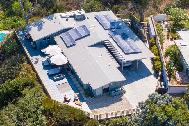 *EXCLUSIVE* Aerial view of Hunter Biden's $3.8 million dollar Hollywood Love-nest