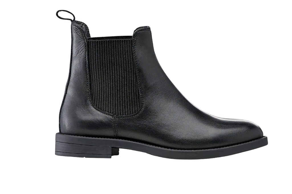 A black chelsea boot