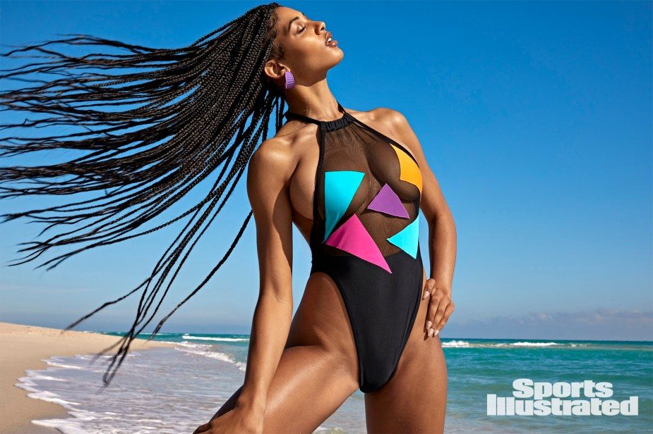SI Swimsuit model had 'no clue' she was pregnant during shoot