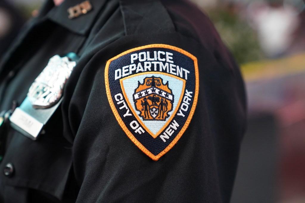 À l'heure actuelle, seulement 47% de l'ensemble du NYPD ont été entièrement vaccinés contre COVID-19.