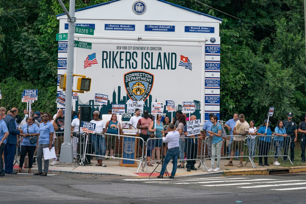 Curtis Sliwa joins hundreds of correction officers outside Rikers Island to demand better working conditions for officers working in the jail.