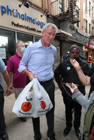 Mayor de Blasio spoke with Iglesias on the issues her restaurants faces and said the city may be able to provide a grant.