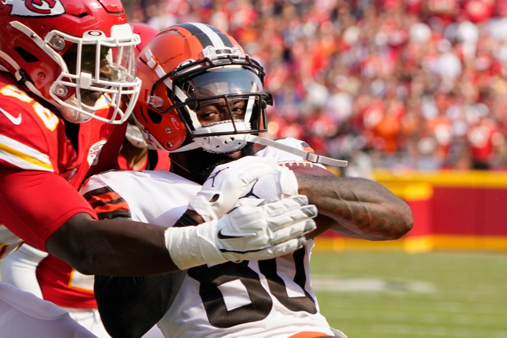 Not only do the Chiefs struggle against the run, here's Tershawn Wharton giving up a touchdown to the Browns' Jarvis Landry in Week 1.