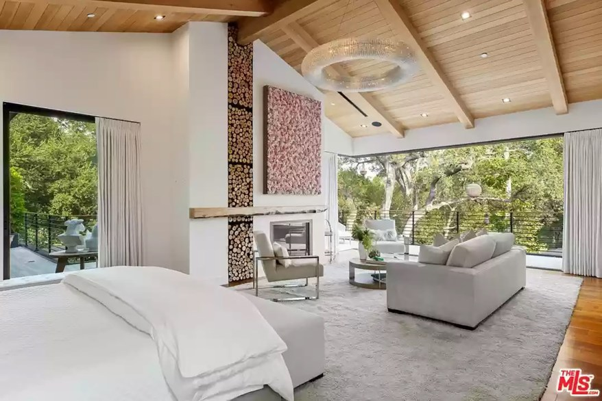 A second Los Angeles bedroom is pictured.