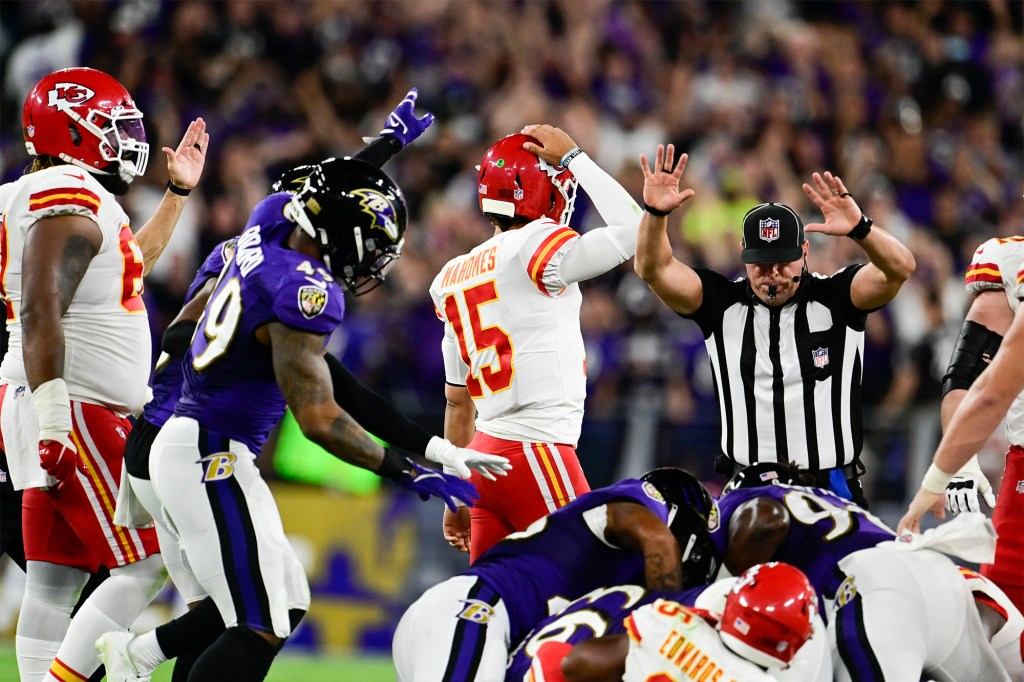 Patrick Mahomes (15) reacts after the Ravens recover a Clyde Edwards-Helaire fumble.