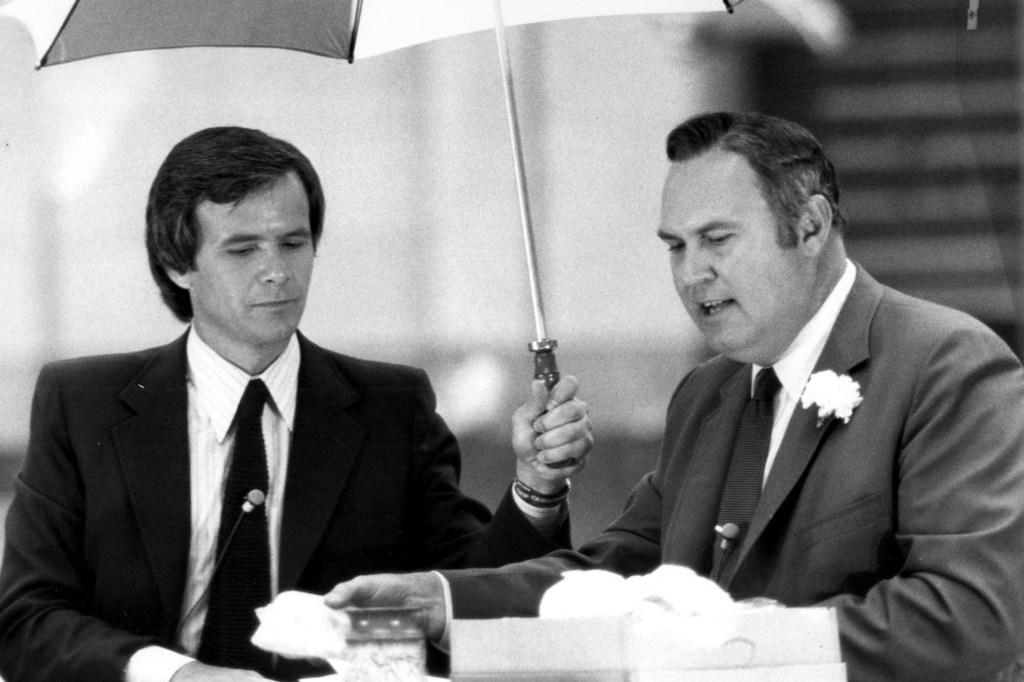 "NBC ""Today"" hosts Tom Brokaw and Williard Scott in 1980."