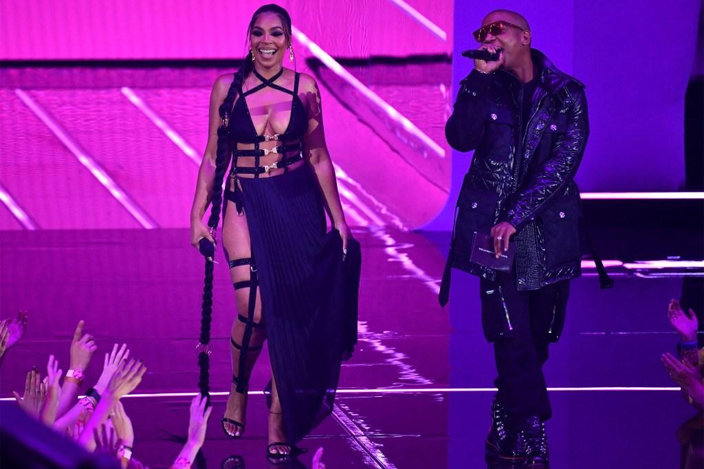 Ashanti and US rapper Ja Rule VMAs
