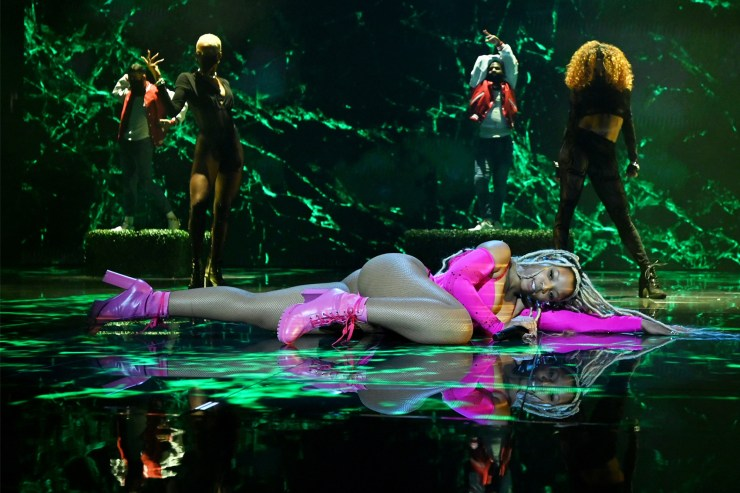 Chlöe did not 'Have Mercy' on the VMAs during her sexy solo debut