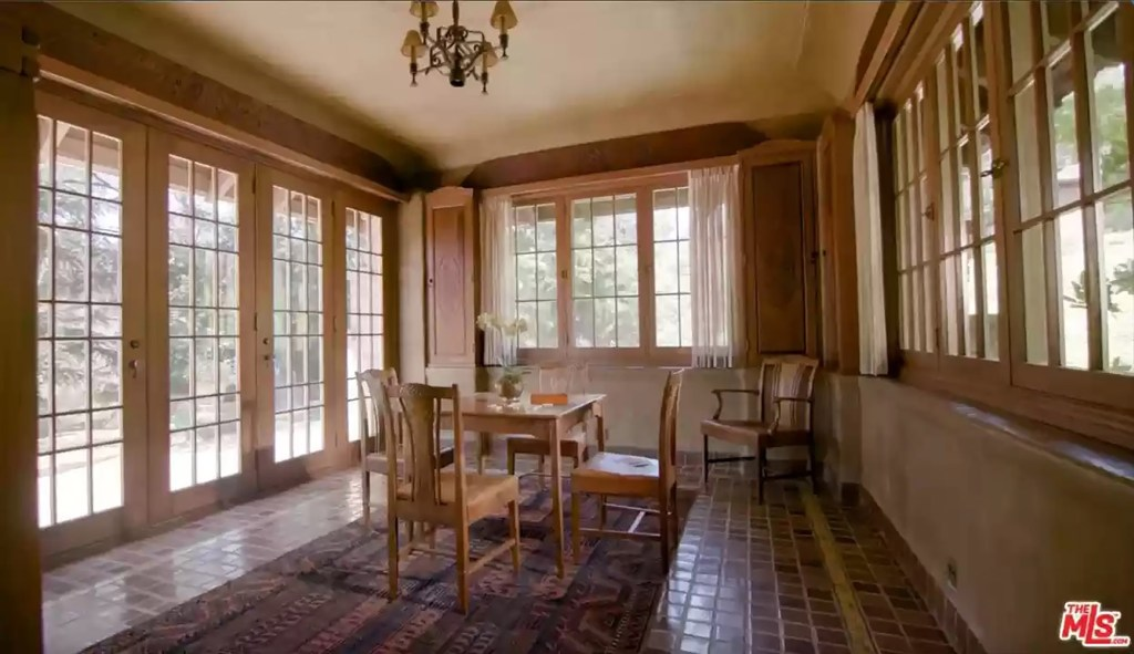 In addition to the main house, there are six others scattered around the property.
