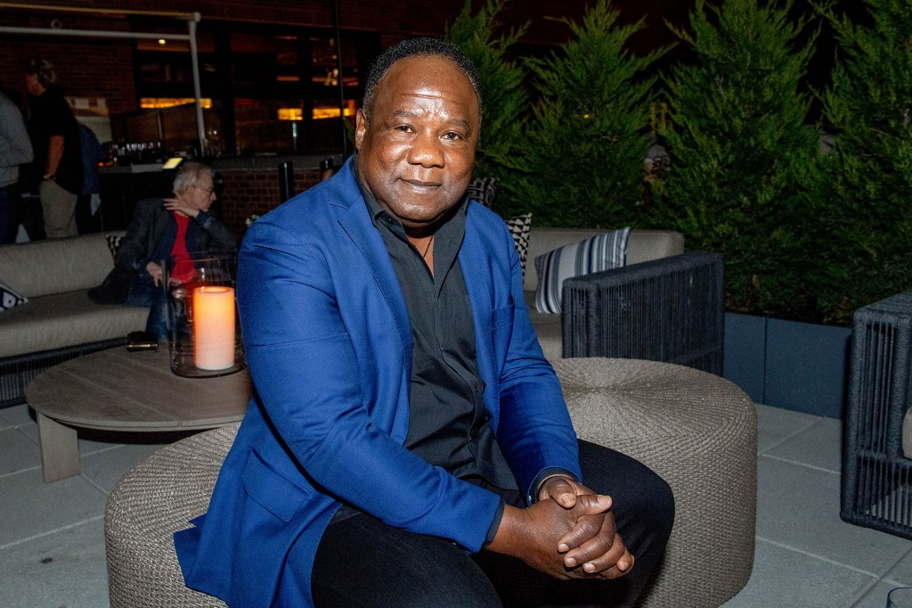 """Isiah Whitlock Jr. tweeted that he was """"shocked and saddened"""" to hear about Williams' death."""
