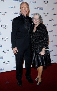 Alan Kalter and his wife Peggy Masterson arrive for a gala honoring David Letterman for receiving the Mark Twain Prize for American Humor.
