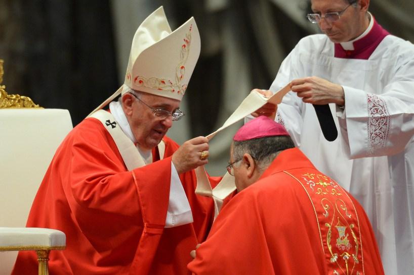 Archbishop Giuseppe Fiorini Morosini (left)