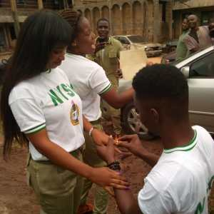 Abia NYSC Corps Member, proposes to lover during POP